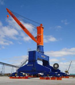 Liebherr_TCC_280R_Travelling_Cargo_slewing_Crane_WIRE_luffing_crane_rail_mounted_gantry_harbour_Port_quaysides_jetties_Hafenkran_A_12888-0_W300