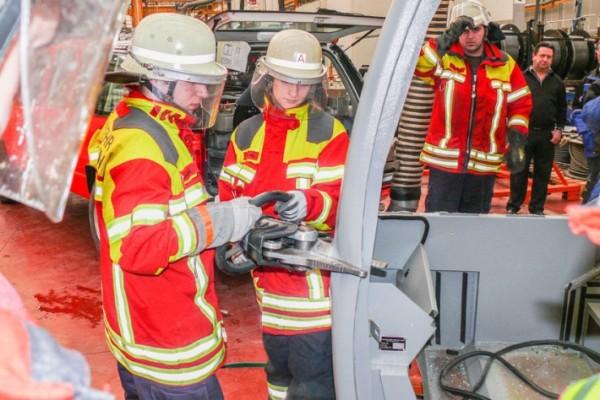 liebherr-fire-brigade-tests-72dpi_img_710