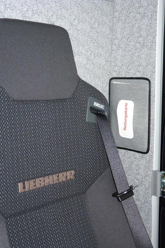 liebherr-rescue-card-crane-cab-72dpi