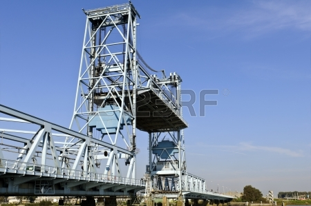 5 15914887-botlek-bridge-in-rotterdam-netherlands-lifting-to-allow-ships-get-across