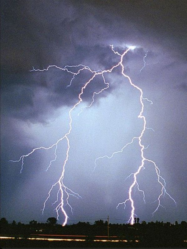 050308_lightning_generic_02